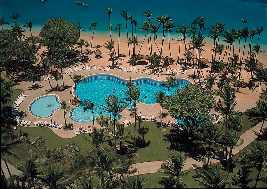 Shangrila-Fiji-pool