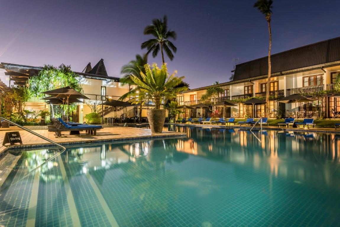 Warwick-Fiji-Adults-only-pool-Suva
