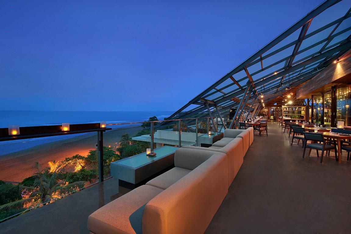 Anantara-Seminyak-Moonlite-Restaurant-Bar