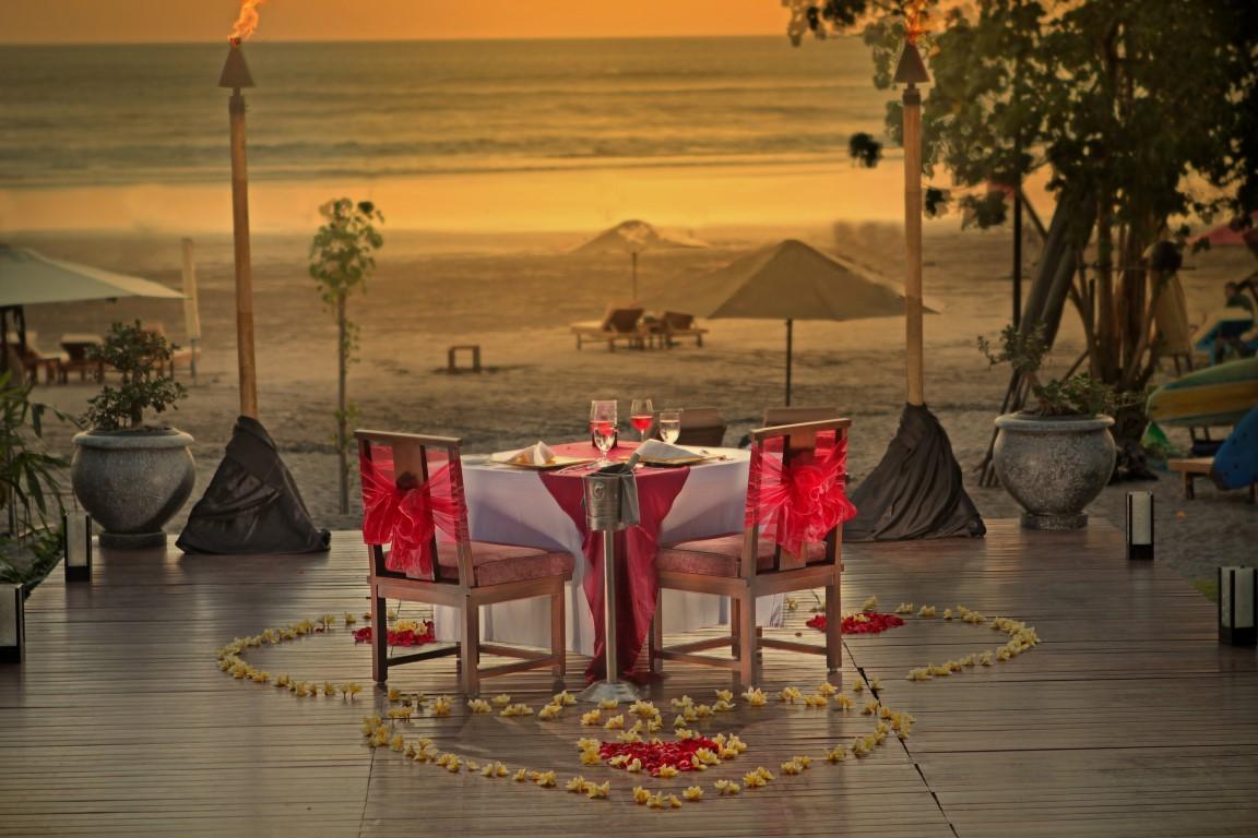 Anantara-Seminyak-romantic-dining