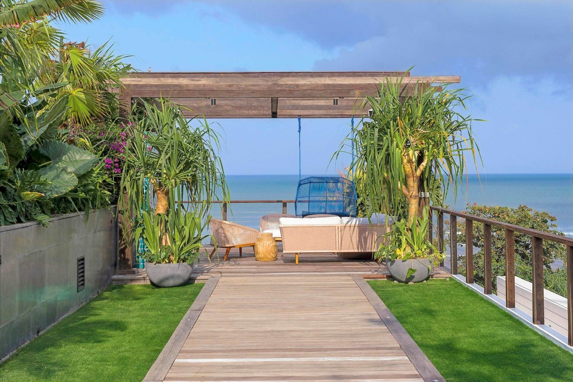 Noku-Beach-House-Deck
