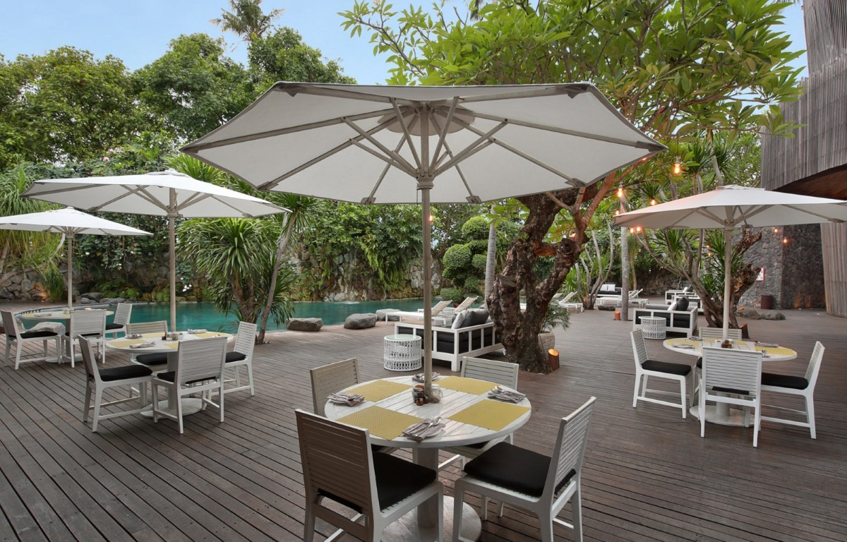Peppers-Seminyak-Outdoor-dining