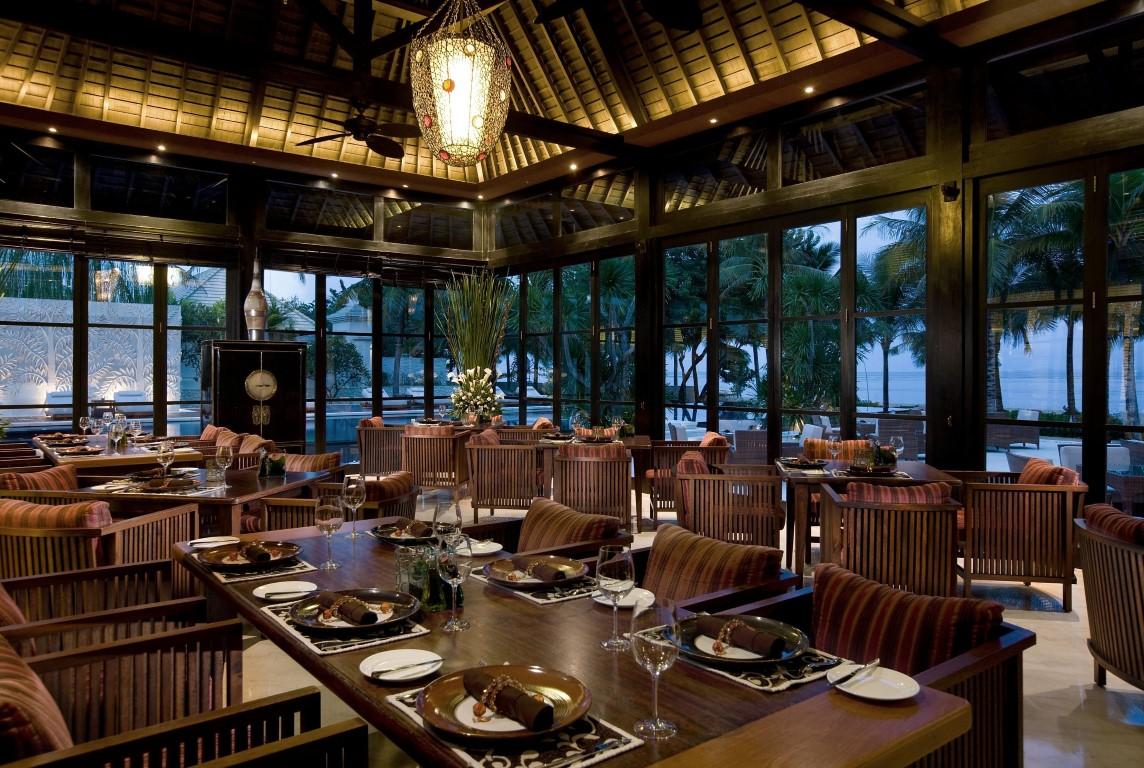 Royal-Santrian-All-Spice-Restaurant