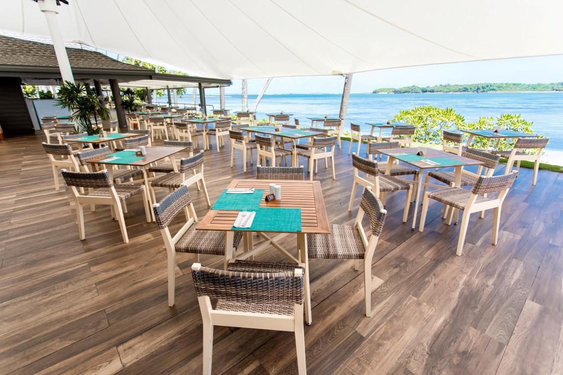 Shangrila-Fiji-Beach-Bar-and-Grill