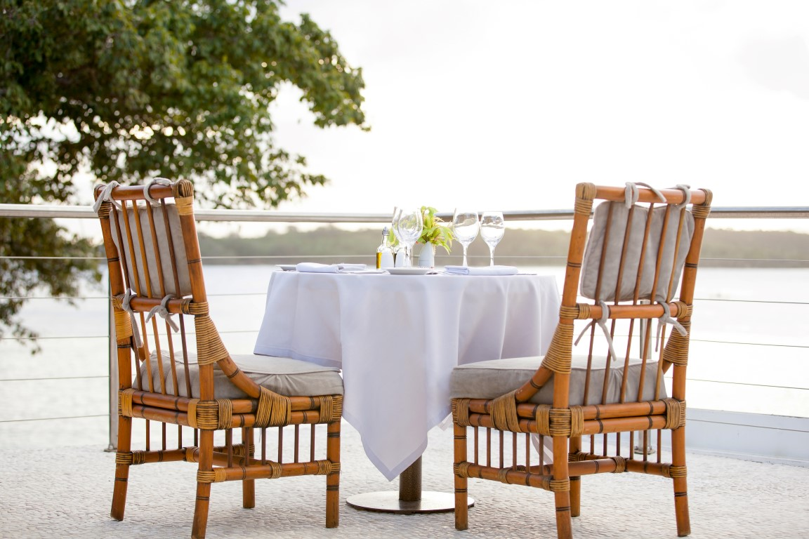 Shangrila-Fiji-romantic-dinner-2