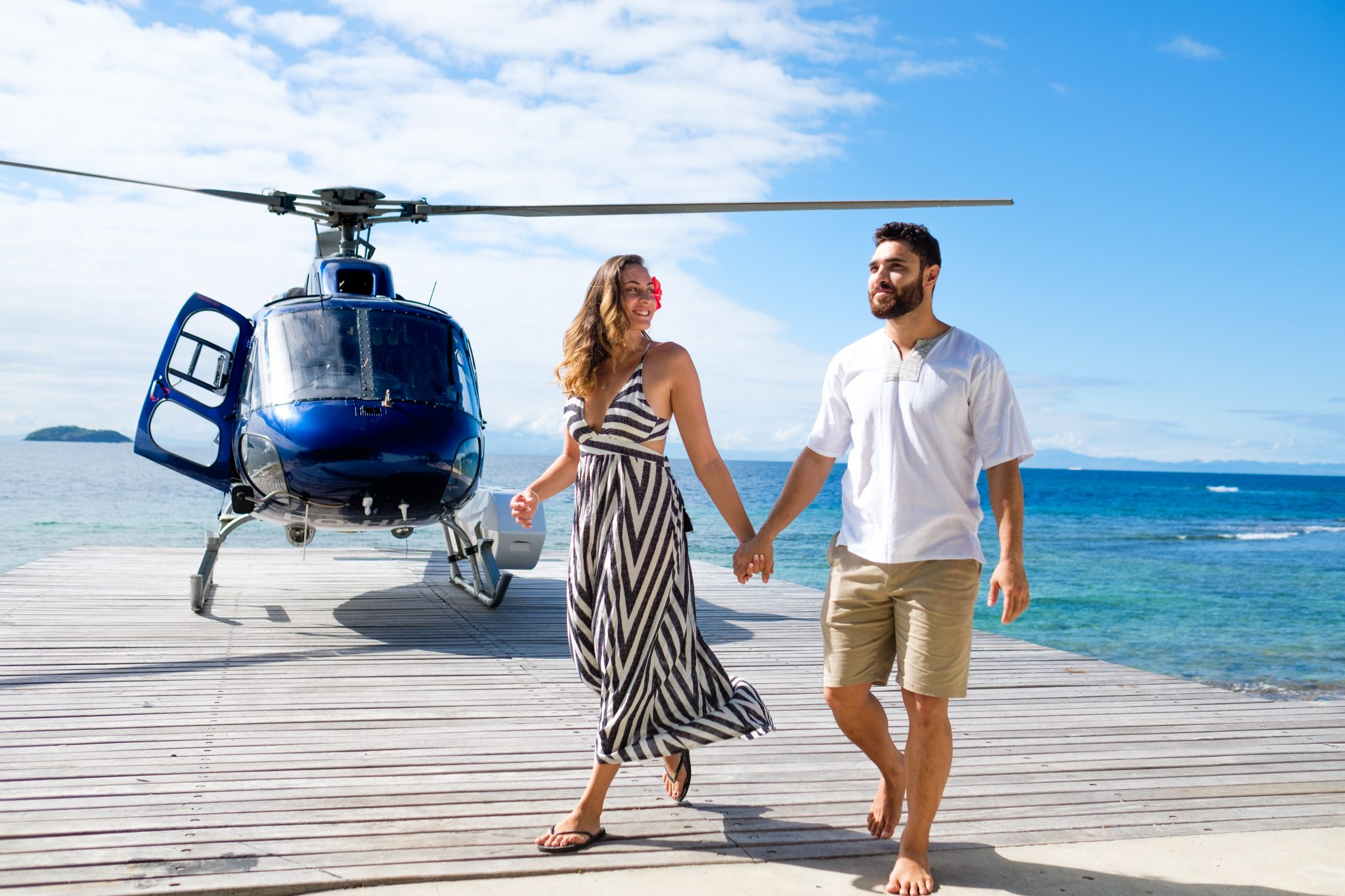 Matamanoa-Couple-on-Helipad
