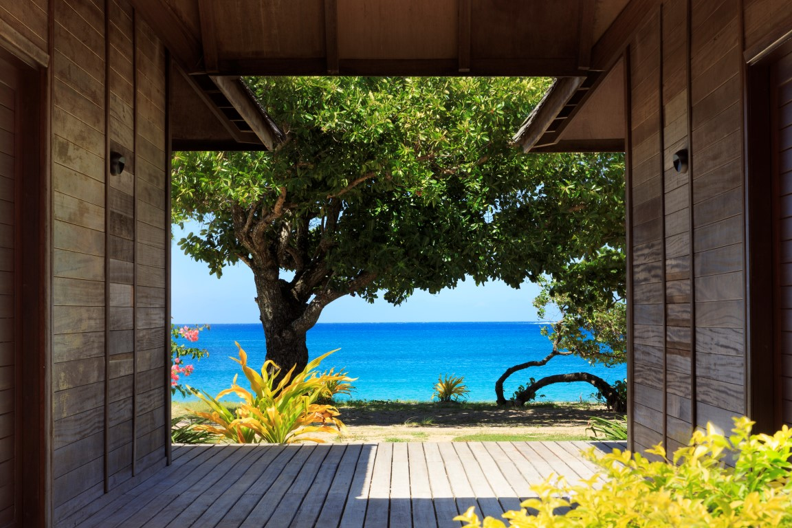 Yatule-Beachfront-bure-entrance-1