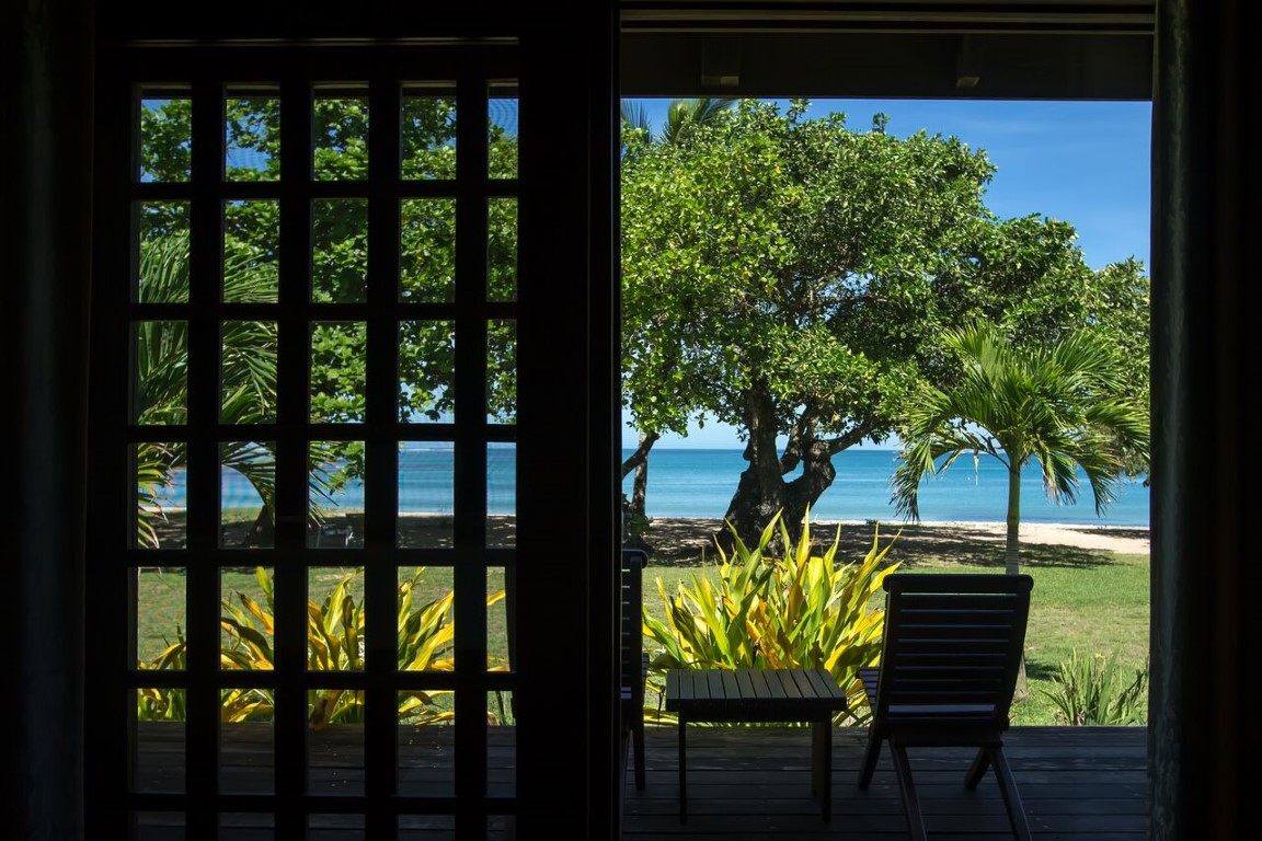 Yatule-Deluxe-Beachfront-Bure-View-1