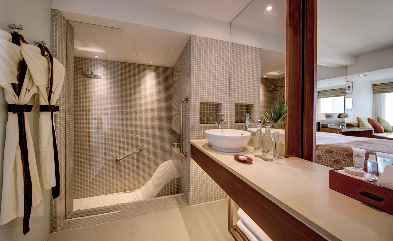 Outrigger-Laguna-Oceanview-Bathroom