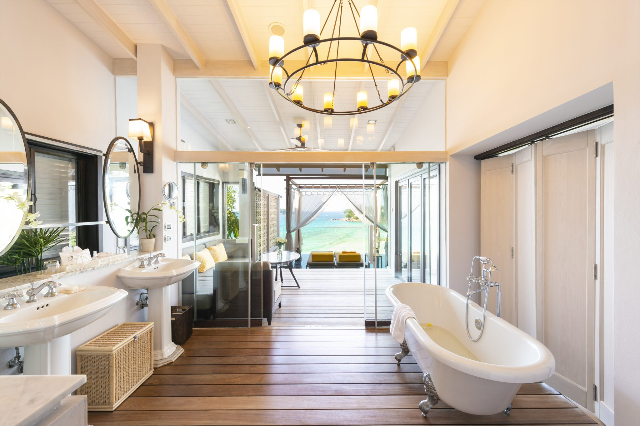 The-Shore-at-Katathani-Seaview-Pool-Villa-Bathroom