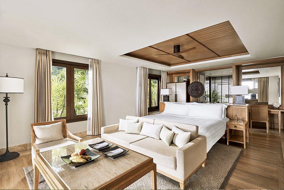 Trisara-Oceanview-pool-junior-suite-bedroom